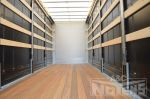 901944 hardhouten vloerplanken schuifzeilopbouw gesloten laadbak met schuifgordijnen